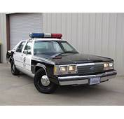 Ford Ltd Crown Victoria Photos Informations Articles