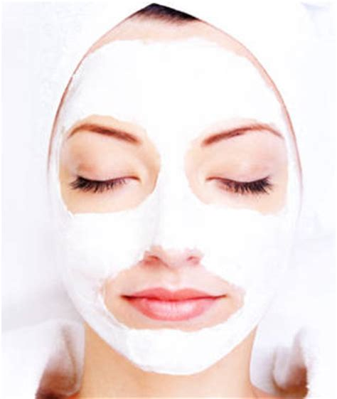Diy Moisturizing Mask Bright Bold And Beautiful Skincare