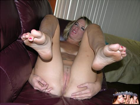 Carlie The Blonde Milf Modeling Nude Pichunter