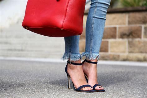 Celana Denim Pradaa Sleting stripes a fringe and mirrored sunglasses fashionhippieloves