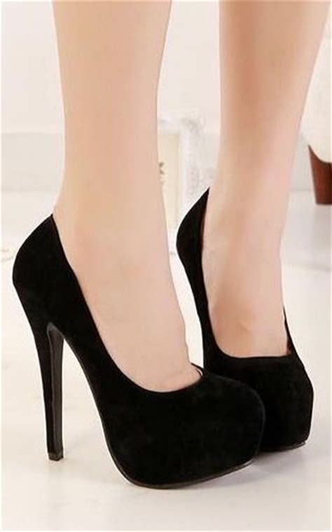 Twoban Heels Hils re purpose black high heels easy diys careyfashion