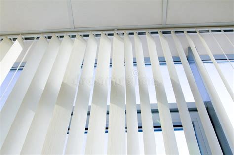jaloezie patroon plafond venster en jaloezie stock afbeelding afbeelding