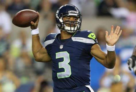 russell wilson bench press russell wilson how the did he do it wellthatsdifferent