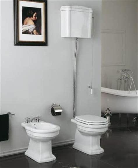 cassetta alta wc wc con cassetta alta coprivaso e bidet idfdesign