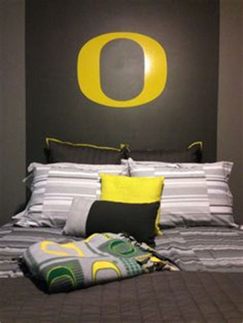 oregon ducks bedroom ideas hunter on pinterest oregon ducks teen boy bedrooms and light switch covers