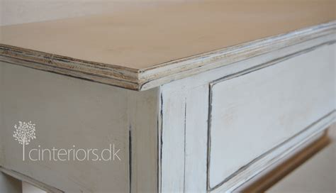 old white two colours patina with chalk paint c i r u e l o i n t