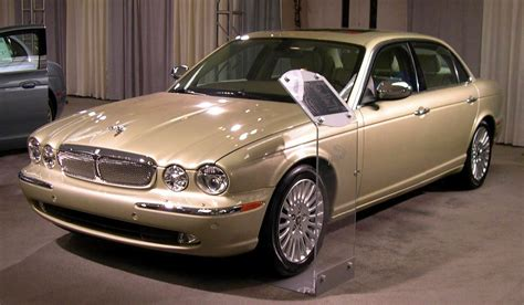 books on how cars work 2006 jaguar xj lane departure warning file 2006 jaguar xj jpg wikimedia commons