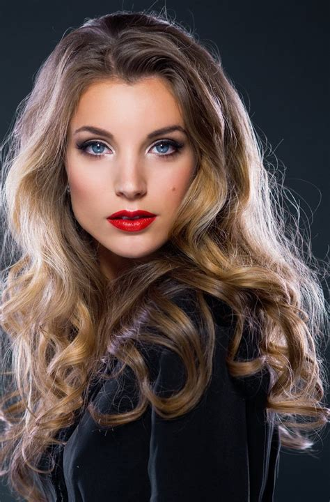 Trophy Wife Hairstyles | medium hairstyles to make you look younger trophy wife