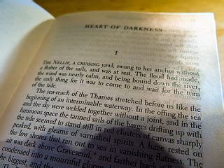 Of Darkness Critical Essay by Literary Analysis Essay Of Darkness Bookcritic X Fc2