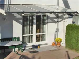 vordach terrasse terrasse vordach aus edelstahl mit glasabdeckung