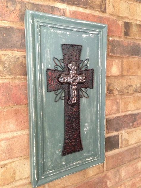 Cabinet Door Repurposed Salvaged Cabinet Door Upscaled To Adorable Cross Diy Projects Pinterest Doors Craft And