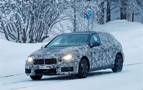 Bmw 1er Facelift 2019 by Spyshots 2019 Bmw 1 Series F40 Caught Playing In The