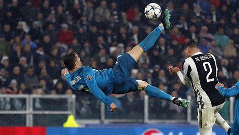 ronaldo juventus 2018 goal ronaldo s superb overhead kick v juventus sport