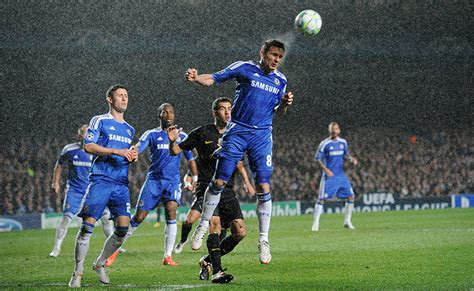 chelsea vs barcelona 2012 chelsea upset mighty barcelona world news in pictures page 594