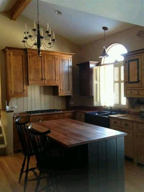 primitive kitchen cabinets 1000 ideas about primitive kitchen cabinets on pinterest