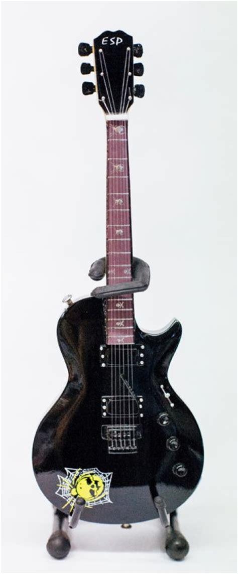 kirk hammett kh3 miniature guitar metallica kirk hammet esp kh3