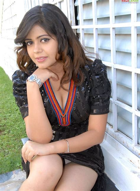 Indian Wardrobe - 43 south indian wardrobe malfunction photos
