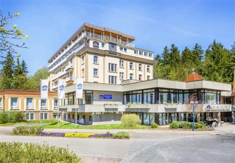 wann rasen wässern hotel in bad d 252 rrheim im schwarzwald best western hotel