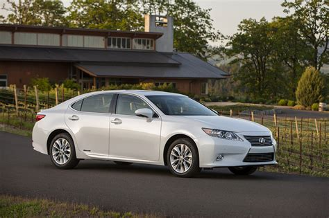 lexus es300 hybrid official the 2015 lexus es 300h hybrid receives some