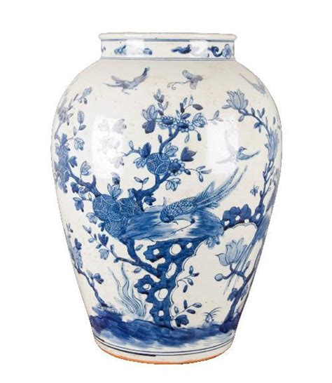blue and white floral vase the pink pagoda