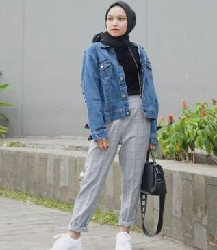 inspirasi fashion baju hijab era  berani tampil