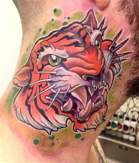 tattoo online school tigre con piercing tatuajes online