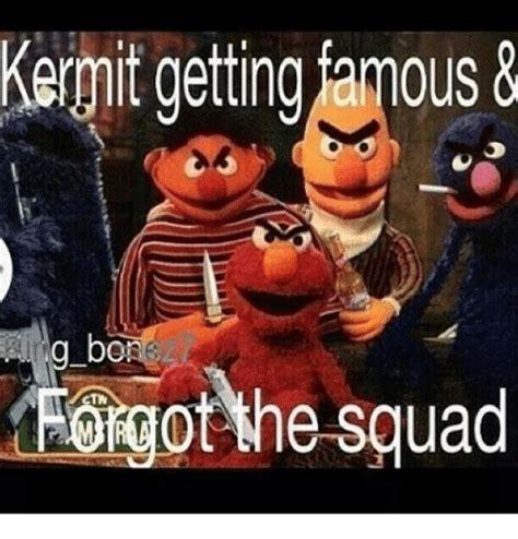 Kermit And Miss Piggy Meme - kermit getting mous tfolgot the squad miss piggy meme