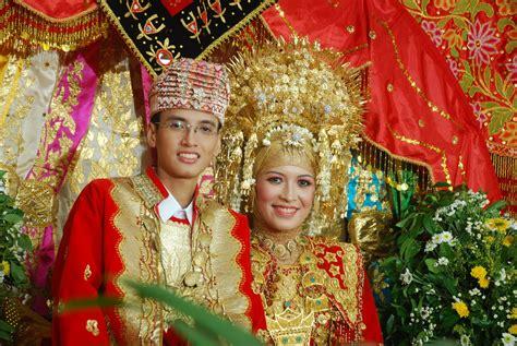 Cokelat Sovenir Nikah Adat Melayu upacara pernikahan adat minang informasi pernikahan souvenir pernikahan wedding craft