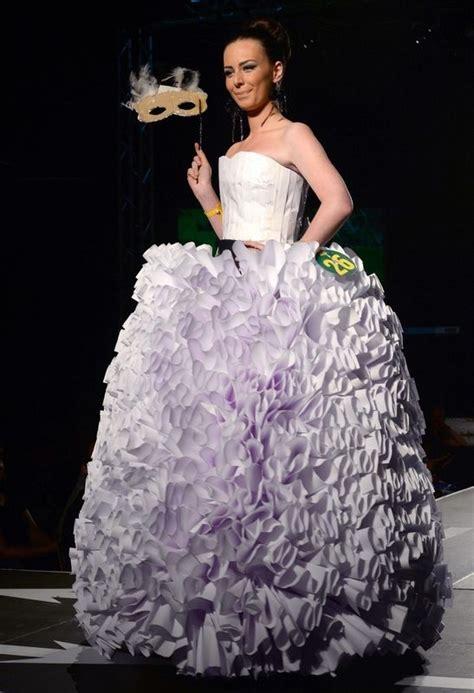 Fashion Cup027 trash fashion mode gemaakt afval door middelbare scholieren uit macedonie afval