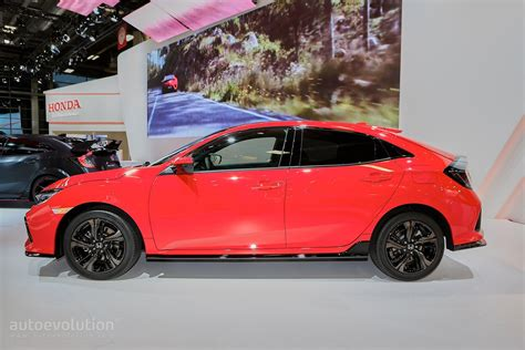 hatchback race cars 2017 honda civic hatchback looks like a race car in paris