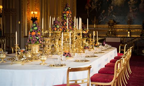 superior Pictures Of Homes Decorated For Christmas On The Inside #3: windsor-castle-christmas-lunch-t.jpg