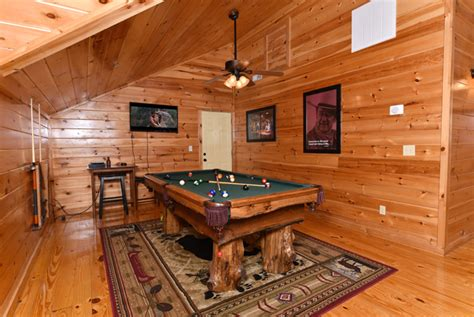 Chalets In Pigeon Forge Tn by Fitzgerald S Shamrock Chalet Pigeon Forge Tennessee