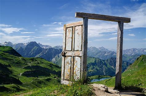 30 beautiful doors that seem to lead to other worlds 30 beautiful doors that seem to lead to other worlds