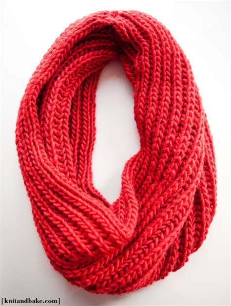 easy cowl knitting pattern how to make 41 easy and infinity scarves wear them