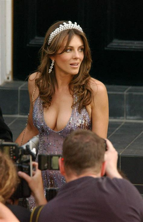 Elizabeth Hurley Slip Pictures by Elizabeth Hurley Exposed And Slip Paparazzi