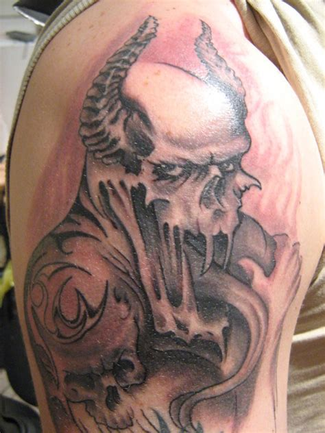 gothic skull tattoo designs tattoos