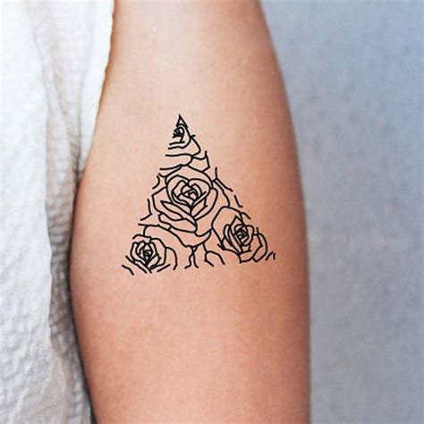 Geometric Tattoo Trend | 2017 trend geometric tattoo 2 triangle temporary tattoos