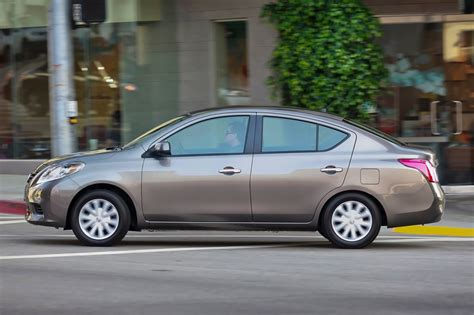 nissan versa blue 2014 2014 nissan versa 1 6 s market value what s my car worth