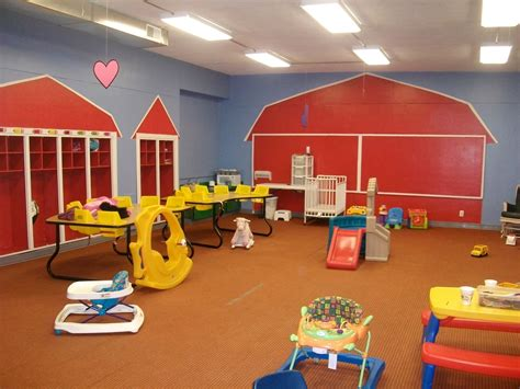 day care room decorating ideas