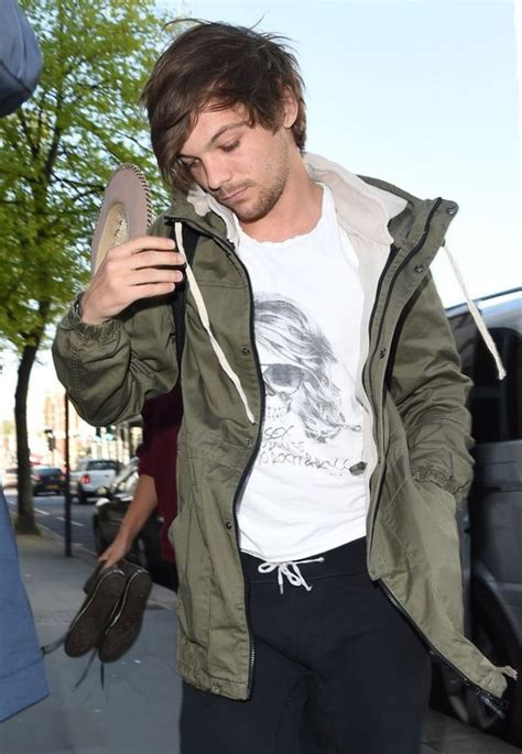 louis tomlinson biography book louis tomlinson weight height and age