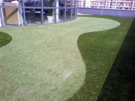 erba sintetica giardino opinioni foto co da golf in erba sintetica su terrazzo de