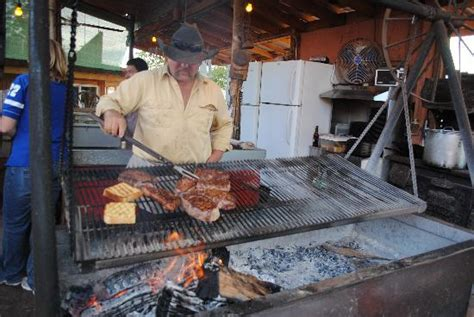 swinging steak mexican hat swining steak in action picture of mexican hat lodge and