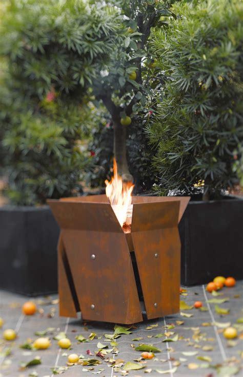 ein feuer im garten freiraumbegleiter galerie feuer im garten feuerstellen