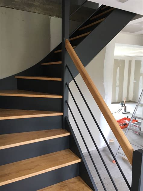 Escalier Peint En Gris by Escalier Peint En Gris Et Blanc Ides