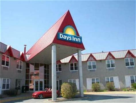 days inn canada days inn dartmouth dartmouth deals see hotel photos