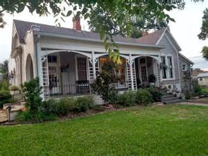 Fixer Upper Stars Fixer Upper Stars Aren T Thrilled Their Homes Are Listed