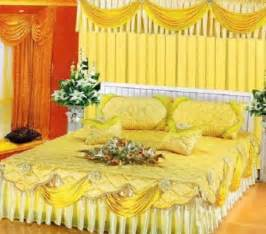 Yellow bedroom decoration for wedding night