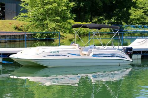 boat rentals hiawassee georgia deck boat rental on lake chatuge ga picture of boundary