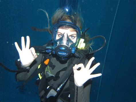 how to become a instructor how to become a scuba diving instructor global gallivanting travel