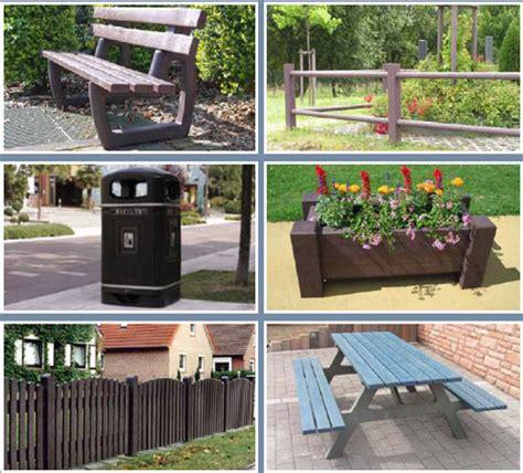 elementi di arredo urbano arredo urbano realizzato con materiali riciclati isola